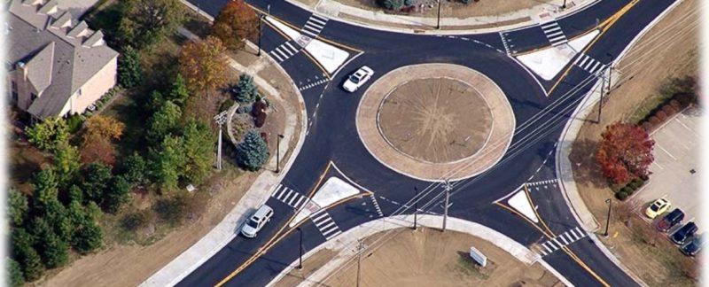 Круговое движение: правила проезда перекрестка с круговым движением, ПДД, штраф, знаки приоритета, выбор полосы